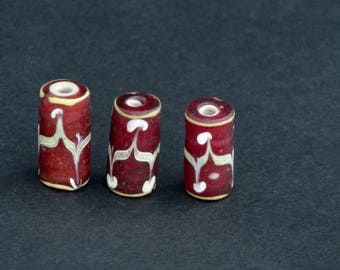 V55-    3 lovely fancy Venetian beads