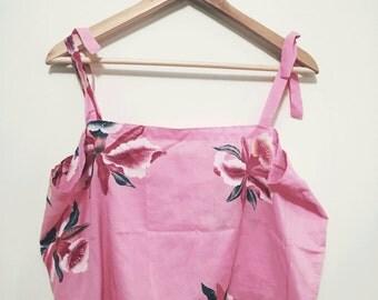 Vintage 80s 90s Floral Pink Crop Top