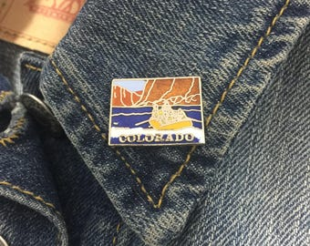 Vintage Colorado enamel pin (t14)