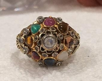 Absolutely Beautiful and Eye catching Vintage-THAI PRINCESS - HAREM Ring - Multi Gemstone 14k Yellow Gold - Uk Size O-Us 7