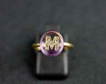"Old gold, amethyst and diamond - nineteenth century ring / / / 18kt gold antique ""letter"" ring with an amethyst and diamonds - 19th Century"