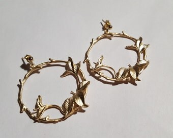 "B - O ""Intertwined leaves hoop earrings"""