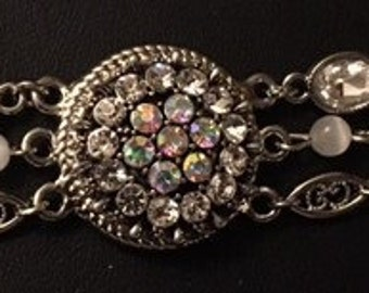 Very Dainty Vintage Silver and Crystal Beads Interchangeable Snap Bracelet for Women with a Beautiful 18mm Rhinestone Snap