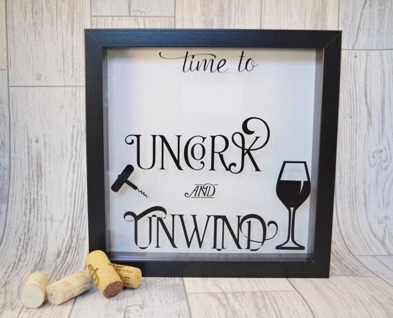 porte bouchon de vin les amateurs de vin cadeau bo te. Black Bedroom Furniture Sets. Home Design Ideas