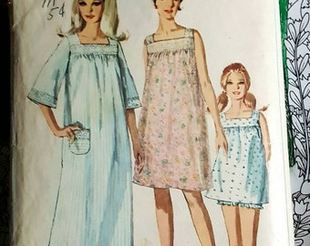 1967 Simplicity 7096 Misses Baby Doll Nightie and Nightgown Size 14 CUT Complete Sewing Pattern ReTrO GrOOvy!