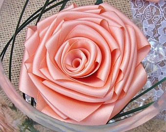 Peach roses, center piece,wedding,rose,glass,bowl,fish bowl,table decoration