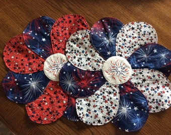 4th of july centerpiece, red, white and blue, embroidery