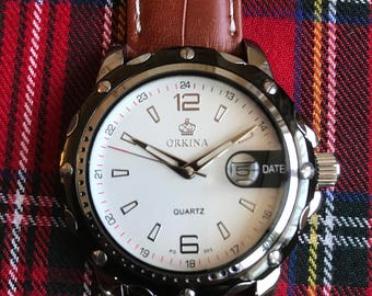 A New Men's Watch With A Luxurious Leather Strap
