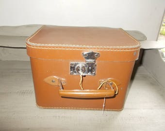 Authentic Stunning 1950's square hat box-boite a chapeau, French mid century luggage, faux leather small travel train case suitcase with key