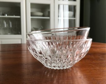 2 French vintage glass Bowls