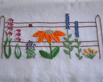 Fenceline Flowers Embroidery Pattern, Floral Hand Embroidery Pattern, Flower Border Embroidery Pattern