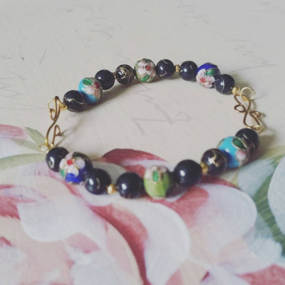 Cloisonne bead and gold detail bracelet with wire S-links