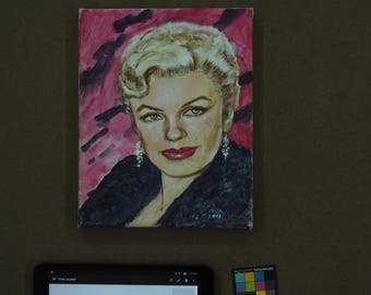 marilyn monroe with black and red background