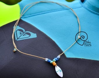 Surfboard shape shell graved necklace