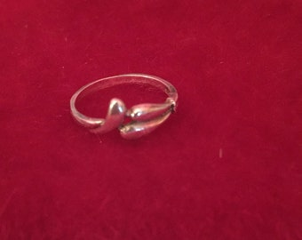 925 Sterling Silver Tear Drops Ring size 6