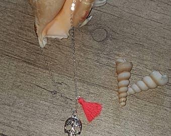 Skull necklace / pompon