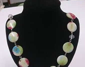 Flower pattern necklace