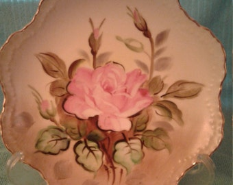 Beautiful Lefton China NE 2513 Hand painted rose plate. Scalloped edge, gold trim, texture