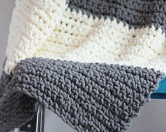 Large Throw Blanket//Knit//Grey//White//Lap Blanket//Reading Blanket//Gifts//Mothers Day