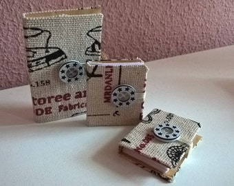 Miniature book 3.5 x 5.5 cmStoff beige with button (to/closed)