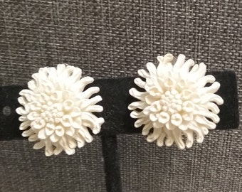 featherwieght chrysanthemum clip earrings