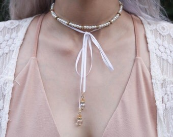 White Pearl | Wrap With Hanging Bow & Gold Charms Choker