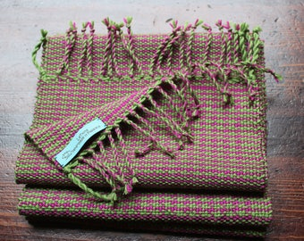 Green and Fuchsia wool scarf with fringe