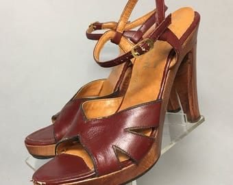 "1970s Ankle Strap Wooden PLATFORM Shoes, Vintage 70's PLATFORMS, 4.5"" High Heels, Size 6"