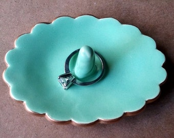 Ceramic Ring Holder Mint Green Oval scallop edged in gold