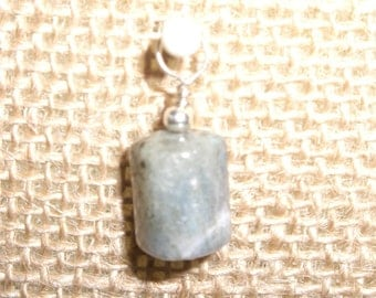 Small labradorite and sterling pendant