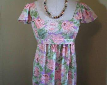 70s Daisy pinafore Dress Vintage Empire Pinafore maxi dress 70s boho floral dress Green and Pink floral dress M