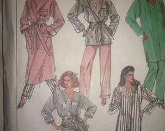 Vintage 80s Sewing Pattern Simplicity 8874 Women's Pajamas and Robe