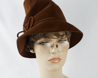 Vintage 1940s Hat Chocolate Brown Chimney Crown Scrunch Fedora by GiGi Sz 21.5