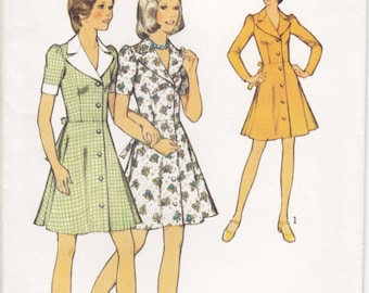 Vintage Pattern Style 4543 Young/Junior Teen' Dress 70s Size 11/12 B32 UNCUT