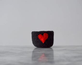 felted wool bowl  -  charcoal black with red eco felt heart - ring holder, wool anniversary ring bowl - Mother's Day gift