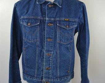 Vintage WRANGLER Denim Jean Jacket 4 pocket trucker coat Sz. 42 made in USA 70's