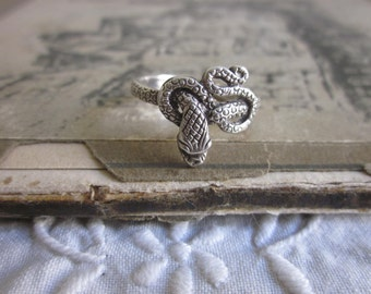 Coiled Sterling Silver Snake ring sz. 8