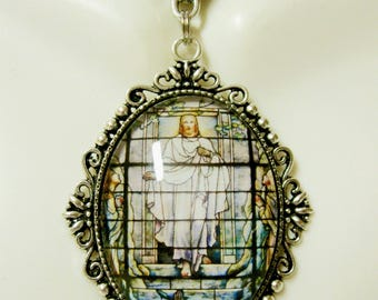 Resurrection of Christ pendant and chain - AP09-204