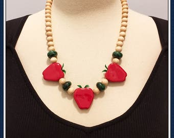 Red Apple Necklace, Wood Beads, Green, Original Sticker, Never Worn, Vintage 1970's 1980's