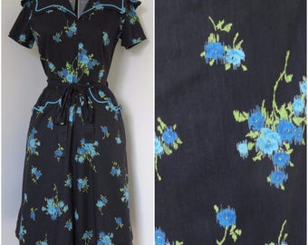 1950s Swirl Wrap Dress with Dramatic Collar - Womens Bust 36 - Blue Floral on Black