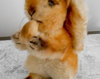 Vintage Steiff Handmade Collectible German Brown Squirrel Named Possy