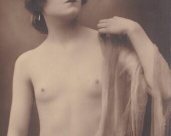 Striking Nude by J. Mandel, circa 1910s. Ed. A. Noyer.