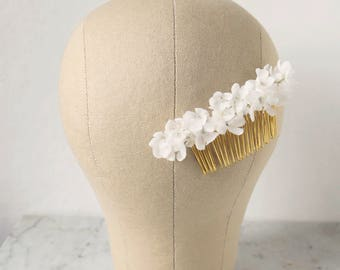 Silk Flower Hair Comb, Bridal Headpiece, Bridal Hair Comb, Floral Hair Piece, White Hair Flower, Wedding Hair Comb, Flower Headpiece