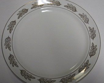 "Superior Hall Quality Dinnerware ""Golden Oak"" pattern Dinner Plate, Excellent Condition"