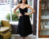 Free Shipping!: Vintage 1980s Chelsea Girl Black Lace Strapless Dress with Pointed Neck Line