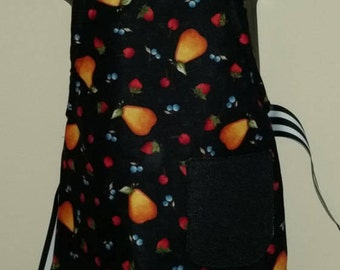 SALE/// REVERSIBLE Child Country Cooking Apron / Art Smock fits size 3, 4, 5, 6 and 7 Black White kids kid child's pocket fruits polka dots