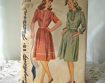 Vintage Ladies Dress Pattern 1940s Simplicity Pattern Sewing Pattern Ladies Dress Vintage Sewing Room
