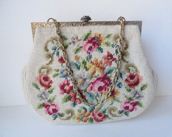 Mid Century 1930s PETIT POINT Chain Purse Needlepoint Bridal Handbag Petit Point Beige Pink Roses Handbag Vintage Tapestry Handbag Handmade