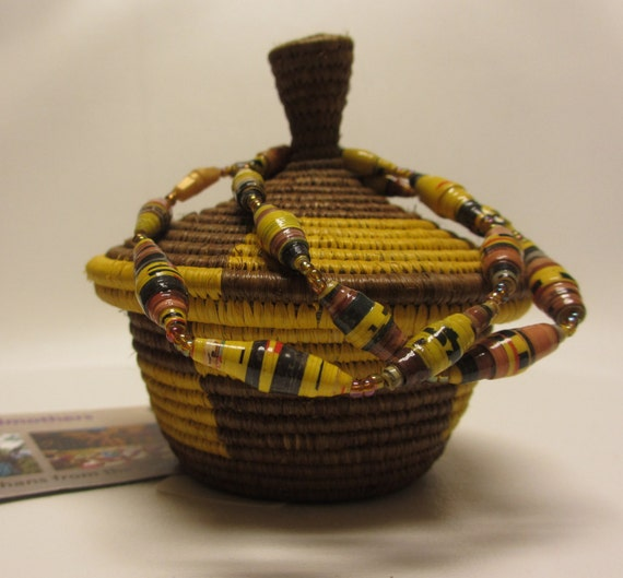 African Baskets With Lids: Small African Woven Handmade Basket With Lid And Paper Bead
