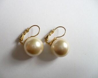 Vintage Liz Claiborne Pierced Earrings Faux Pearl Large Gold Tone Signed LCi
